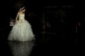 吸引眾人注目的新娘