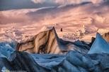 日出時的冰河湖