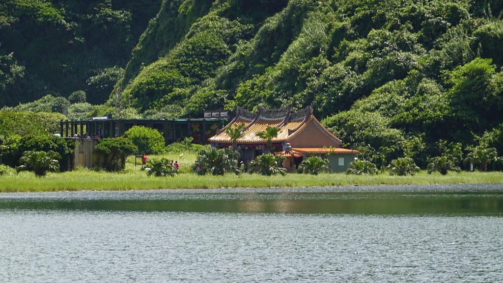 旅客來到龜山島主要都會在普陀巖、龜尾湖附近活動。孫文臨攝