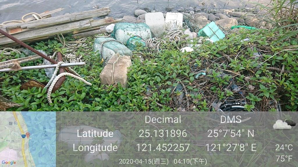 本次川廢快篩調查結合公民科學家,實地走遍242公里的河岸及40公里的河口海岸,利用科技工具,留下淡水河首次的廢棄物調查報告。荒野保護協會提供