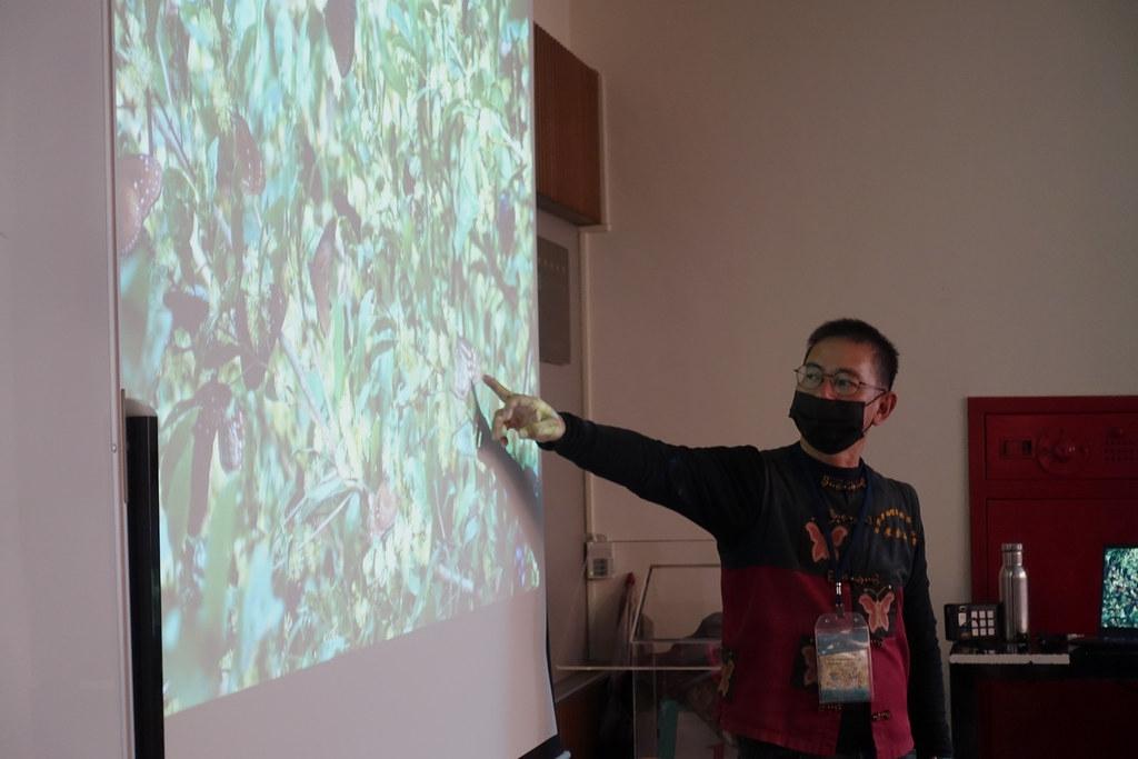 廖金山表示,茂林蝴蝶谷的核心保留區不開放一般民眾進入,紫斑蝶得以不受干擾地休息。許芷榕 攝