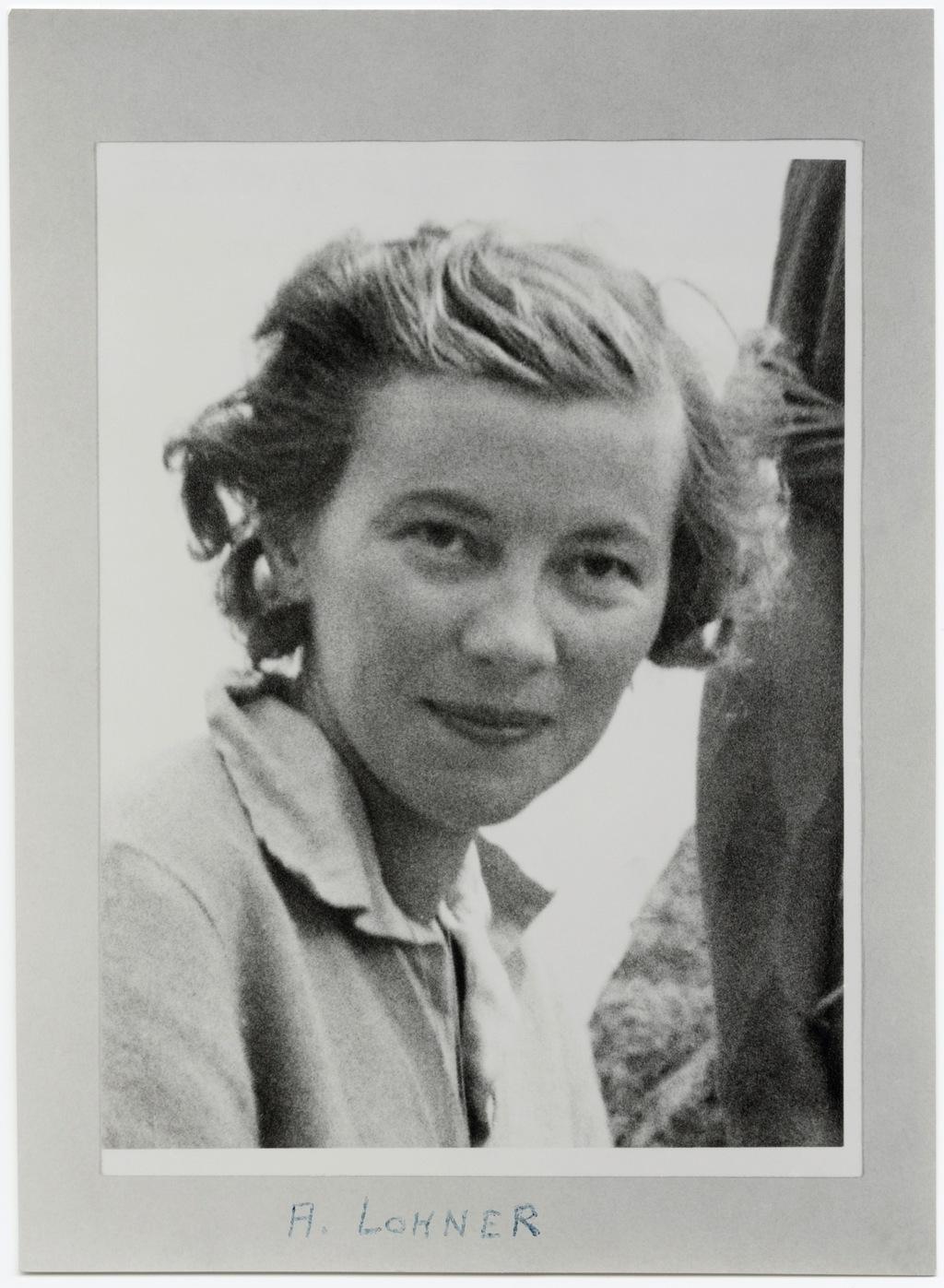 年輕的先鋒登山家安娜莉絲・露娜,籌劃瑞士探險隊前往喜馬拉雅山。在旅程中,他們在多個山峰創下首次登頂的紀錄。