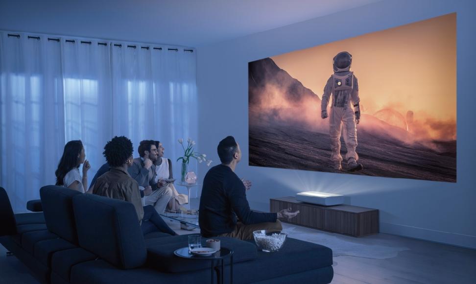 The Premiere超短焦雷射 4K 智慧電視採用三原色雷射聚焦技術,是世界上第一台通過 HDR10+ 認證的投影機。