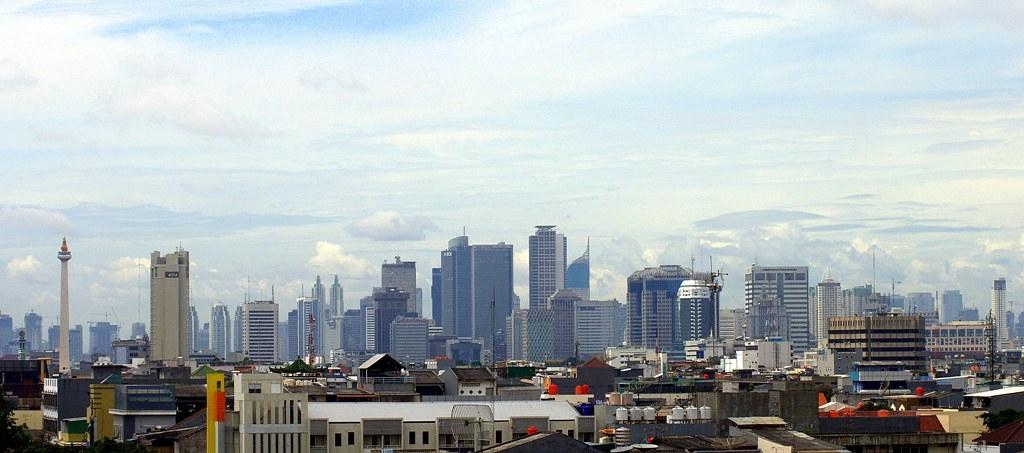 若印尼能在氣候目標上更有企圖心,GDP有望成長並創造千萬新職缺。圖片來源:Stenly Lam(CC BY 2.0)