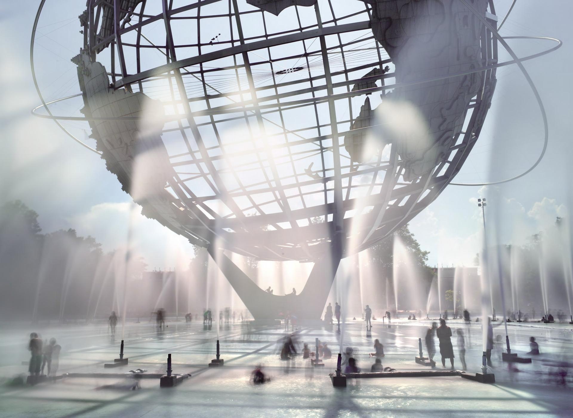 在夏季的炎熱氣溫中,大地球儀底部的96座噴泉有助於遊客消暑。這張長曝光照片中的不鏽鋼地球儀位於紐約市的法拉盛草原可樂娜公園,高43公尺、直徑37公尺、重318公噸,是1964至1965年世界博覽會留存至今的紀念物。它外圍的三圈金屬環象徵三次早期的軌道飛行,宣告太空時代的來臨。 PHOTO: MATTHEW PILLSBURY, BENRUBI GALLERY
