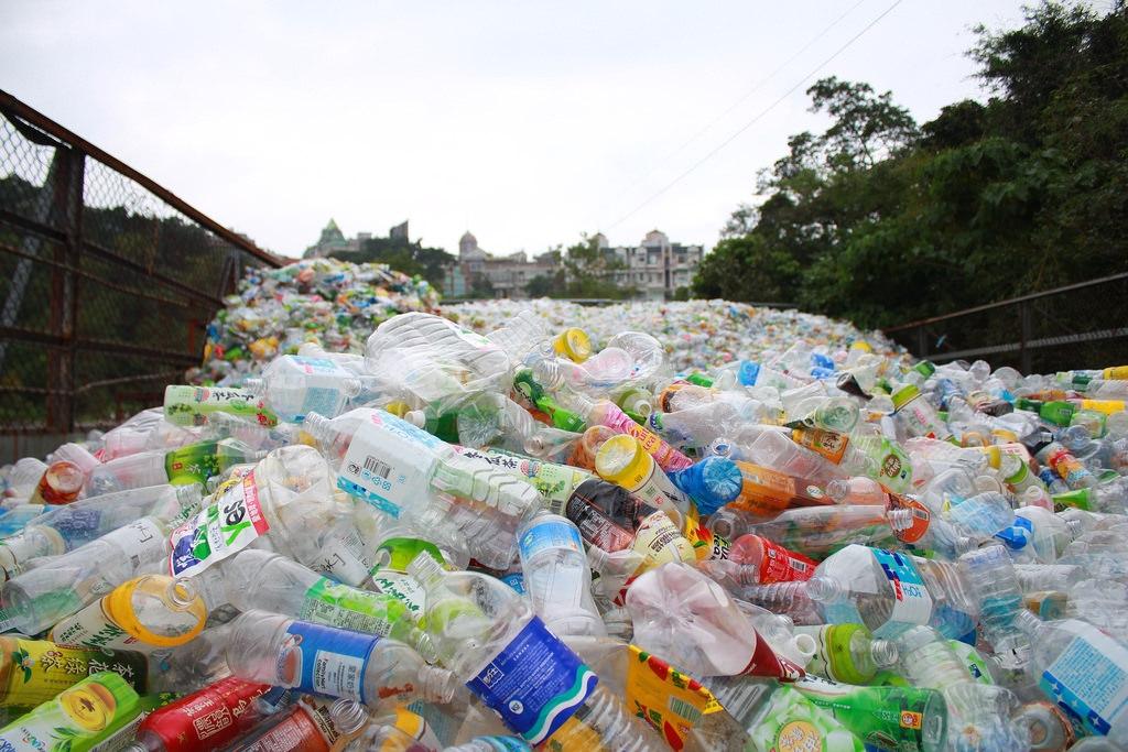 寶特瓶回收再利用?可沒想像中的環保