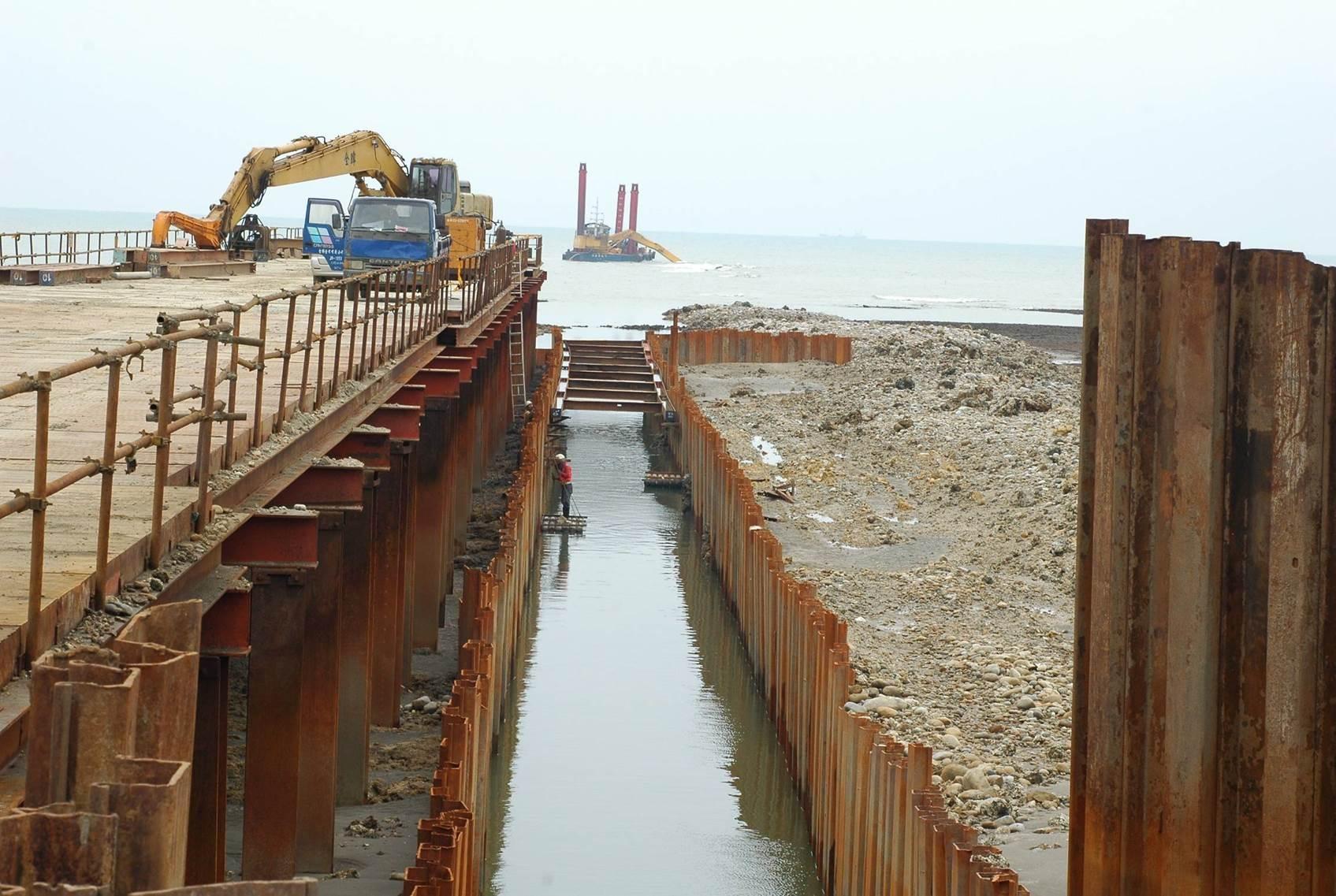 人為開發對藻礁造成可觀的破壞。Photograph courtesy of Mission Blue