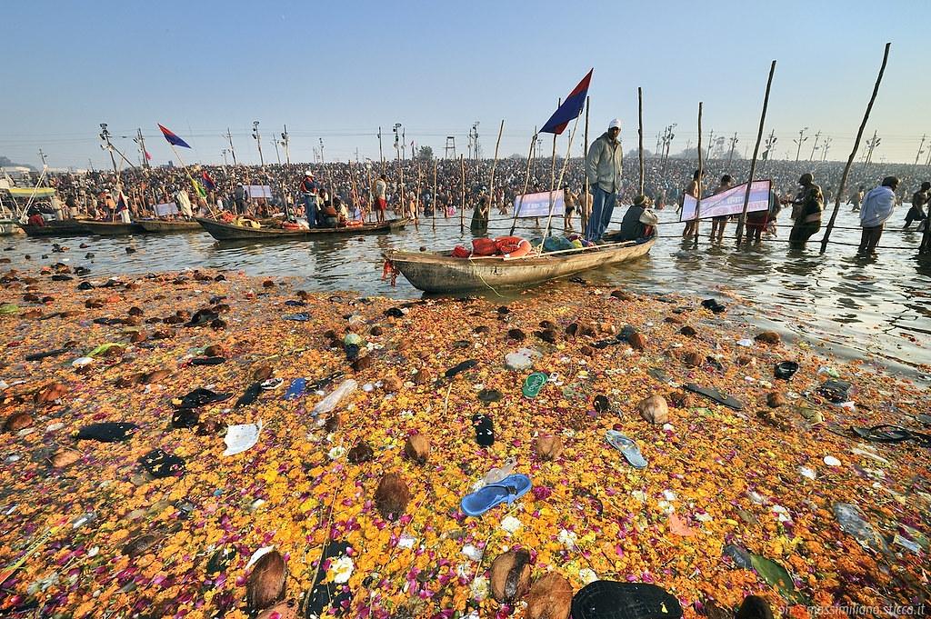 恆河的垃圾汙染來源於複雜的因素。Massimiliano Sticca攝(CC BY-NC-ND 2.0)
