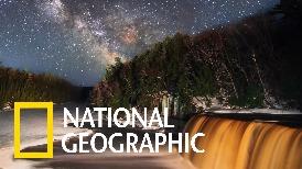 縮時攝影:塔夸默農瀑布的純淨星空