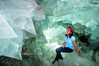 巨型晶洞探祕