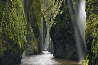 墜落之水:雨後瀑布