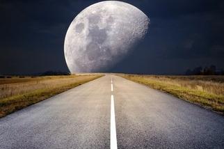月圓之夜,小心機車