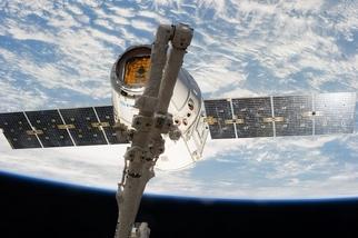 精采太空圖集:星際「威龍」、阿拉斯加極光