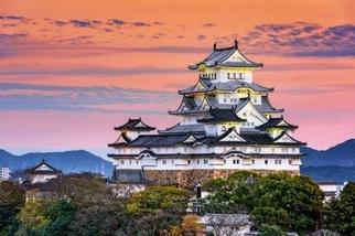 《國家地理終極旅遊:全球50大最美城堡 》姬路城Himeji-Jo