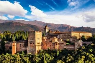 《國家地理終極旅遊:全球50大最美城堡 》阿爾罕布拉宮Alhambra