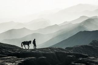 布羅莫火山上的騎師