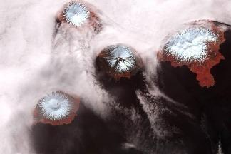 偏遠阿拉斯加火山群島可能是單一座巨大活火山