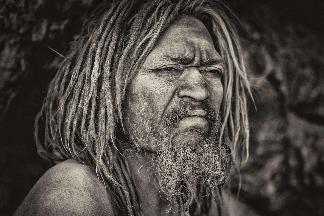 那伽巴巴:赤裸的苦行僧