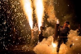 火光四射:豊橋祇園祭