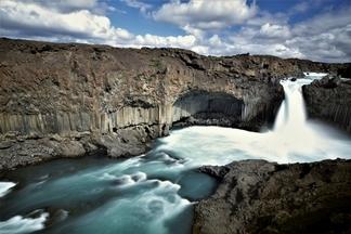 玄武岩 ── 冷與熱之間的大地藝術