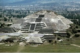 古老的金字塔地下發現新隧道