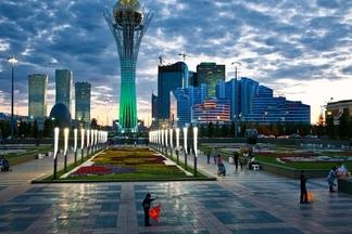 哈薩克-貝特瑞克紀念塔