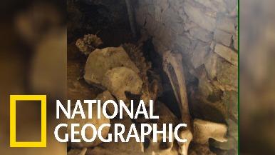位於祕魯山崖邊的查查波亞人墓穴