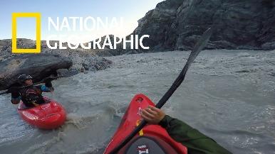 融冰露出湍急新河道,吸引泛舟玩家前來挑戰!