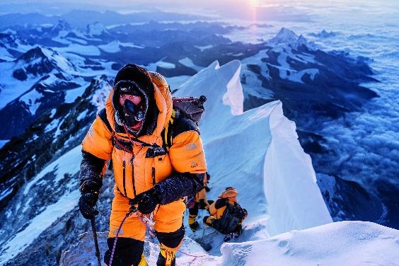 聖母峰自拍照的省思