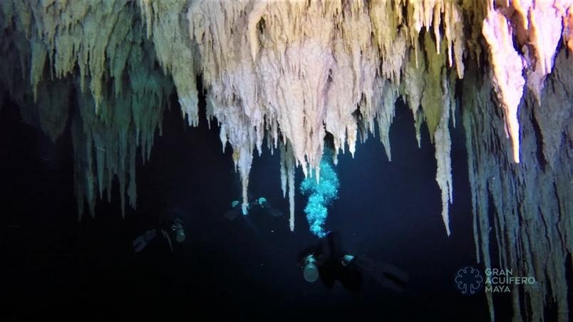 「要記得憋氣!」墨西哥發現全世界最長水底洞穴