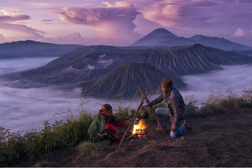 露營者與婆羅摩火山